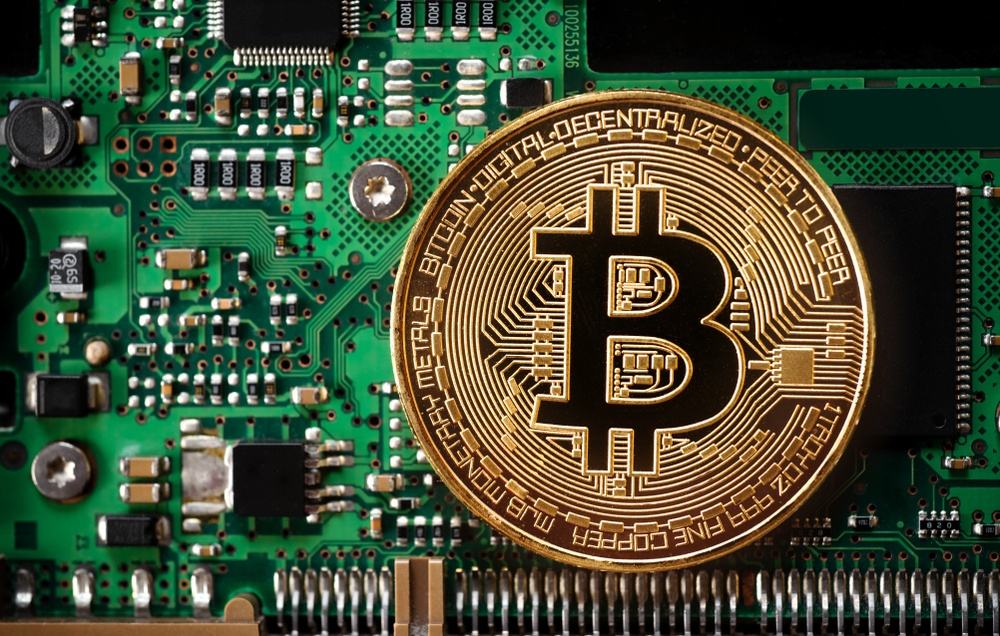 Cryptocurrency regulation: the best of both worlds